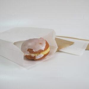 torebka fałdowa biała wykorzystywana do kontaktu z żywnością, pączek w torebce fałdowej